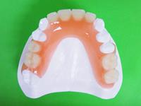 上あご用の入れ歯です。