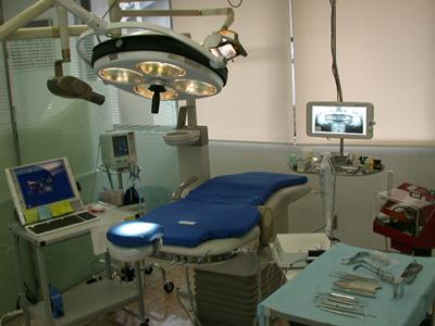 インプラント専用オペ(手術)室